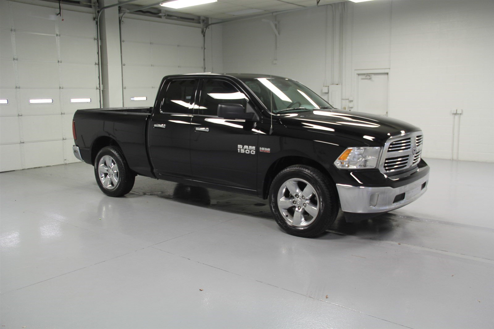 pre owned 2015 dodge ram 1500 quad cab big horn crew cab. Black Bedroom Furniture Sets. Home Design Ideas