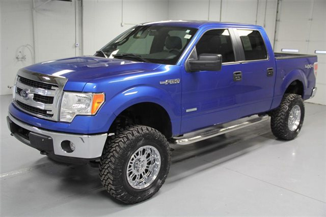Pre-Owned 2014 Ford F-150 SuperCrew XLT 4x4