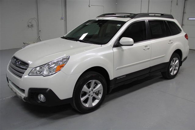 Certified Pre-Owned 2014 Subaru Outback 3.6R Limited
