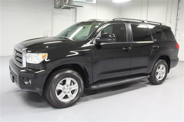 Pre-Owned 2012 Toyota Sequoia SR5