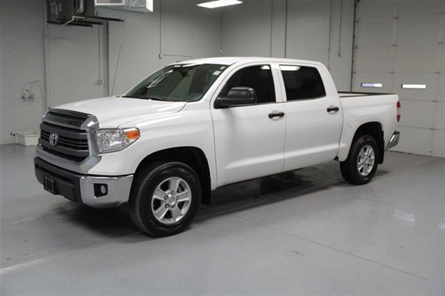 Pre-Owned 2014 Toyota Tundra SR5 CrewMax 4x4