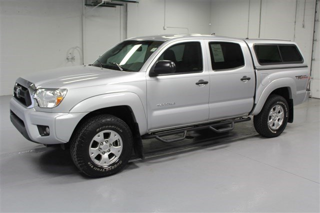 Pre-Owned 2012 Toyota Tacoma Crew Cab 4x4